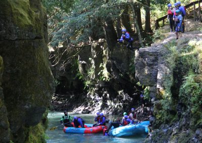 Rafter cliff jumping on the White Salmon upper gorge trip